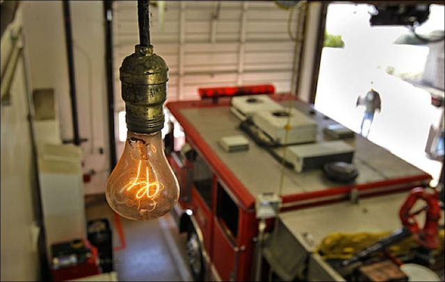 Livermore_s_Mysterious_Lightbulb_Burns_110_Years_1-58c77